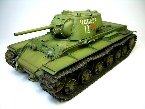 KV-1 1941年型〈鋳造砲塔〉  ②