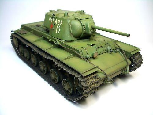 KV-1 1941年型〈鋳造砲塔〉  ①